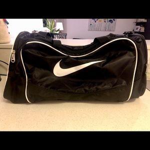Nike men's training duffel bag. Like new!